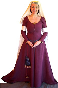 What clothes did medieval ladies wear?